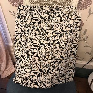 Gap factory store stretchy skirt. Size 6